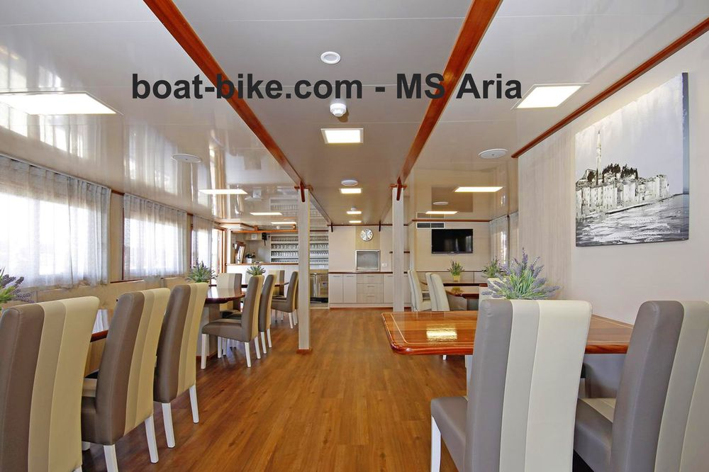 MS Aria - saloon